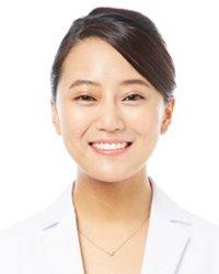 武山 真由 女性歯科医師