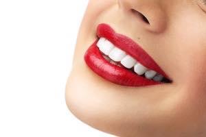 芸能人の歯は白い!それって当たり前なの?