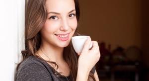 セラミック歯を2週間程度使用。問題なければ治療完了