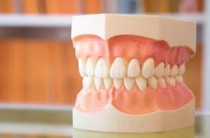 歯茎の治療はセラミック治療と並行可能