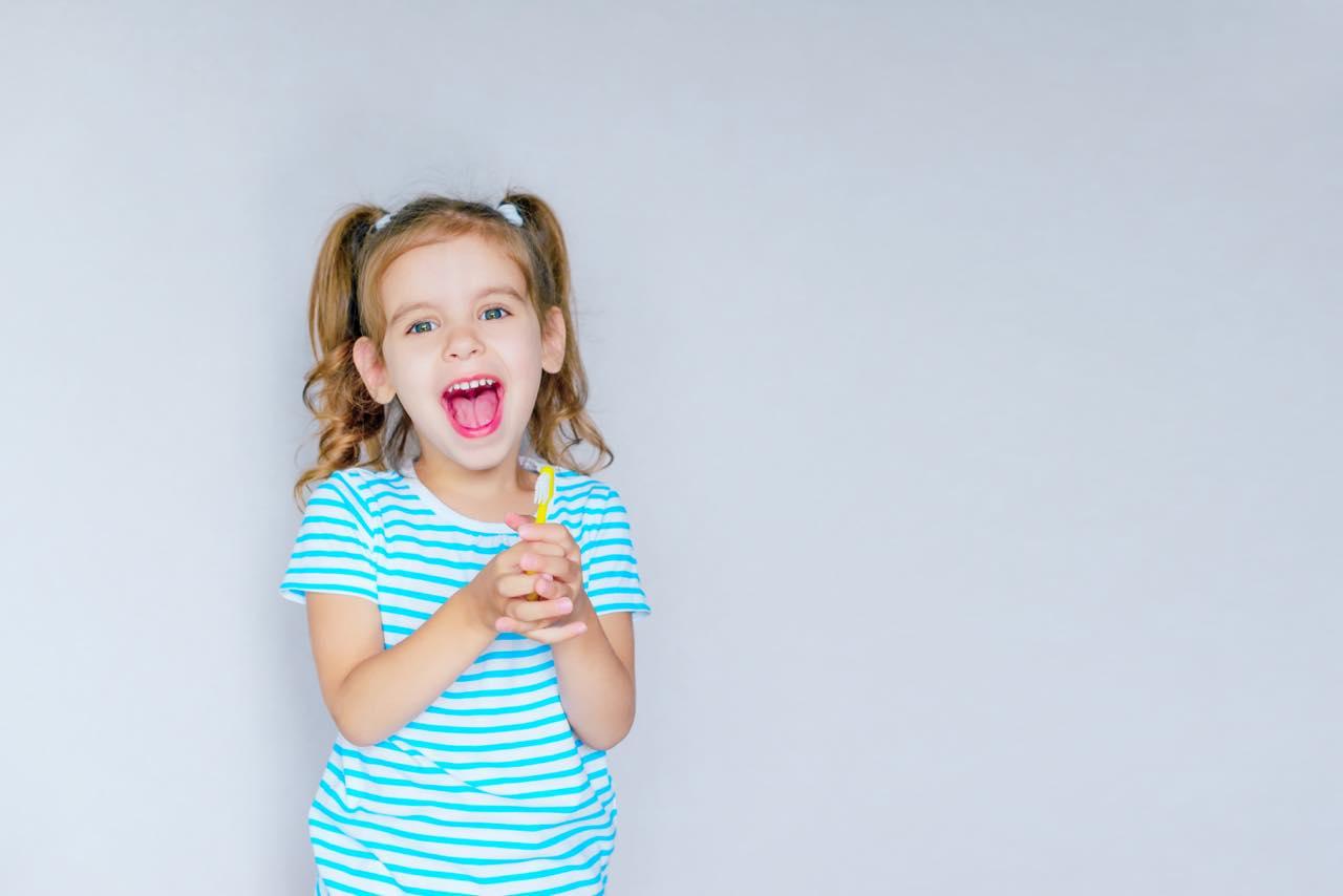 舌小帯短縮症とは? そのデメリットと治療方法