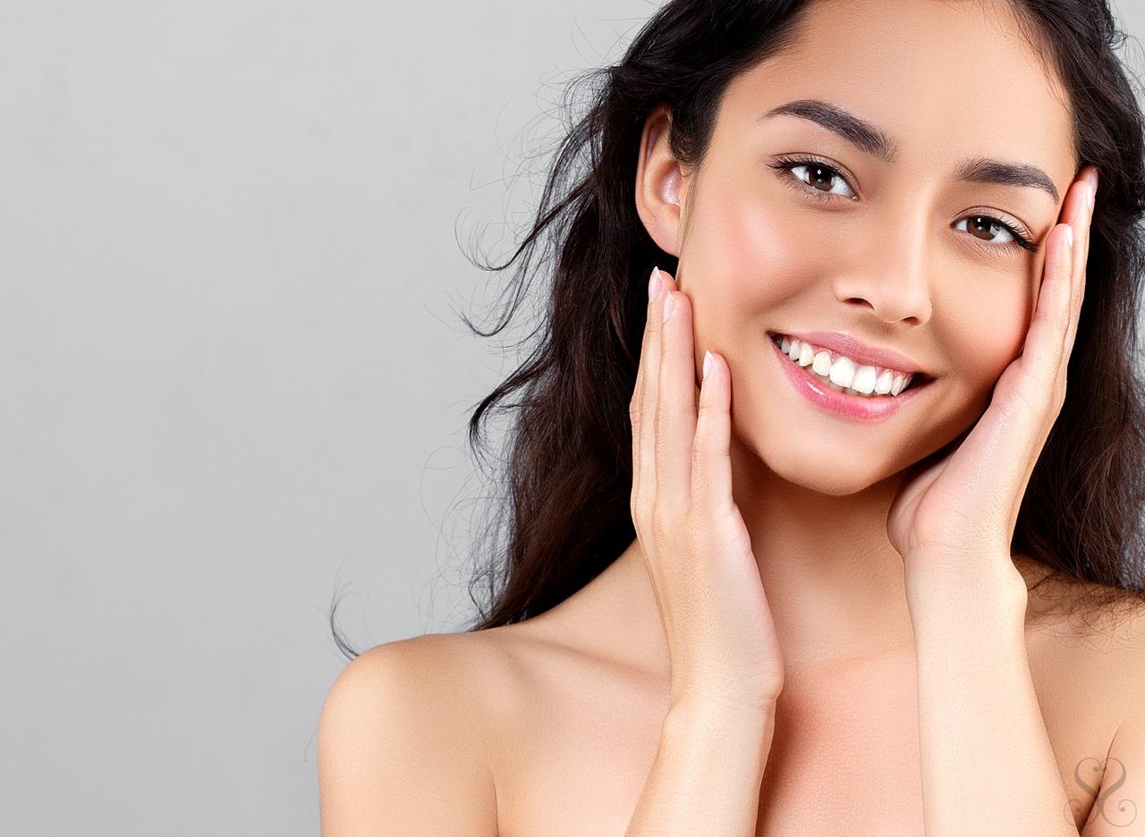 スマイルラインの基準と歯列矯正による理想の笑顔